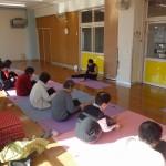 サラダの国でヨガ教室を開催!